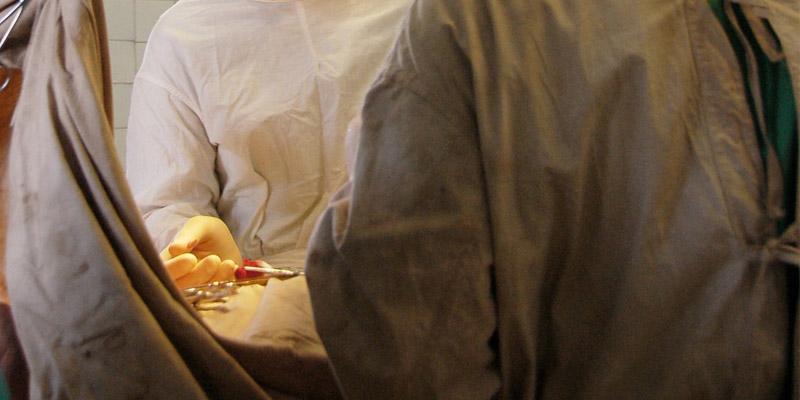 Karın Germe Ameliyatı | Abdominoplasti